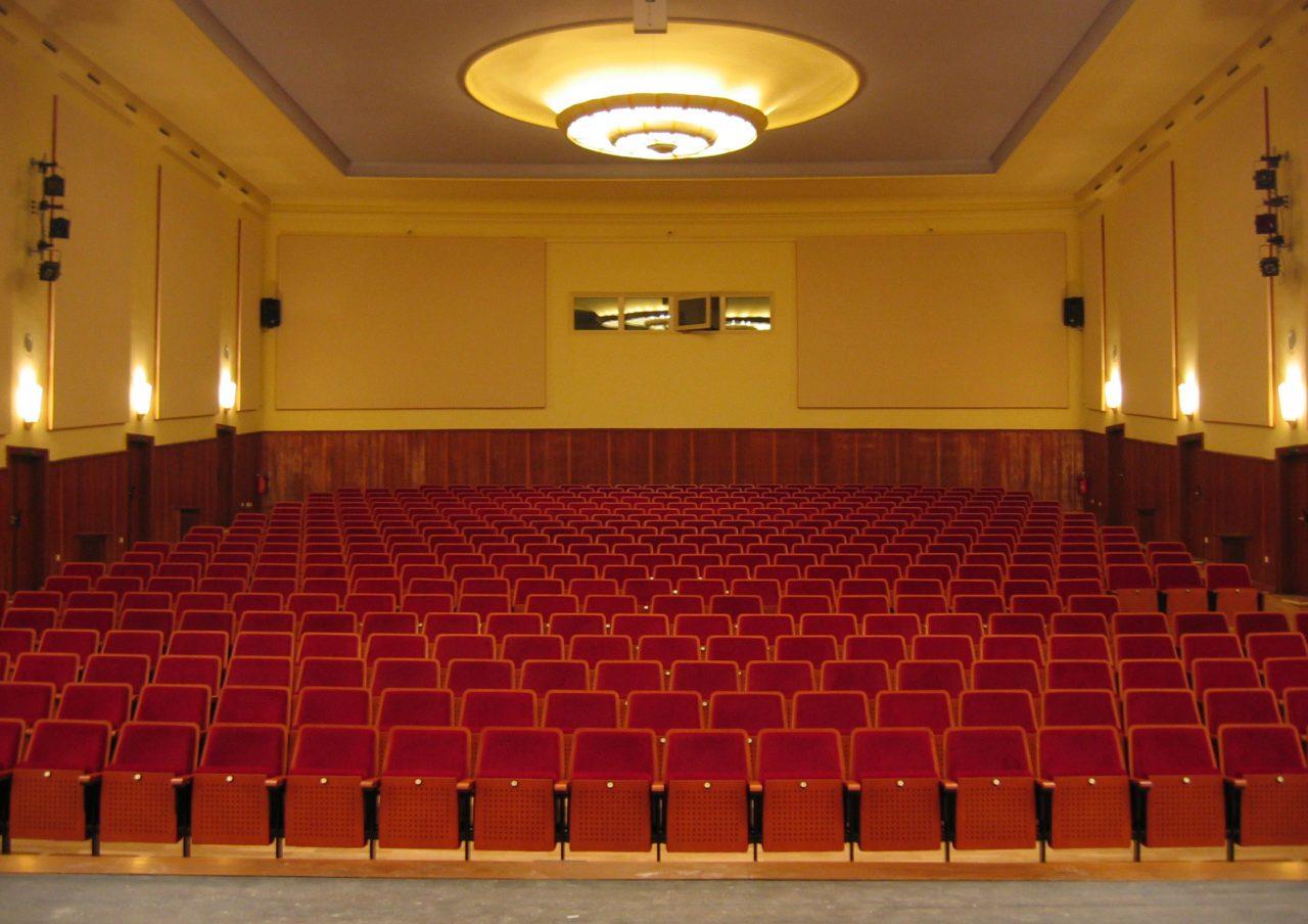 grosser Theatersaal im Kulturzentrum Rathenow